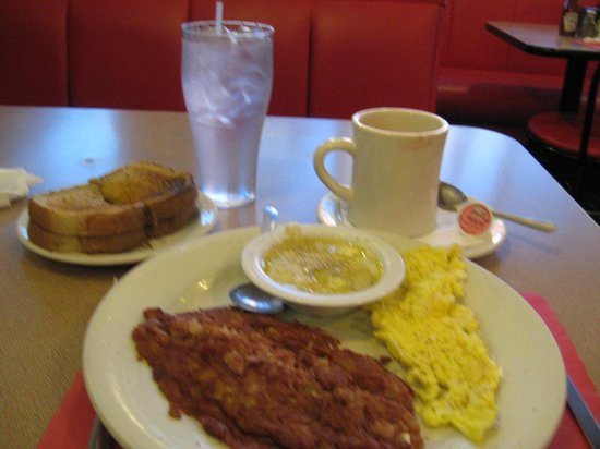 City Cafe Diner: My breakfast-corned beef, eggs, grits, toast, coffee