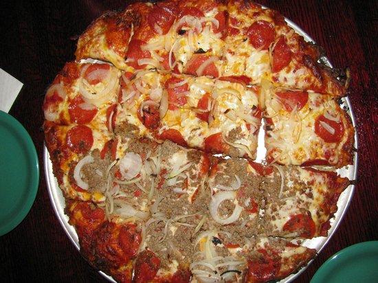 Shot Tower Inn: Pizza