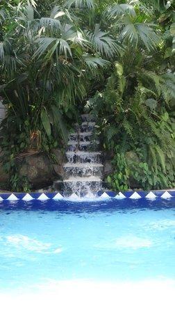 Hotel Punta Leona: small pool near Carabelas restaurant