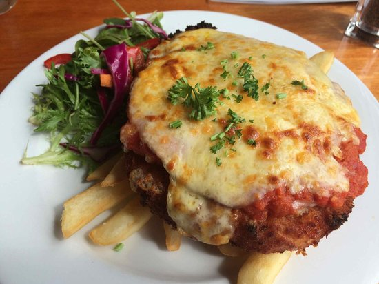 Hotel Bruny Bistro : Chicken parmigiana - enough for two!