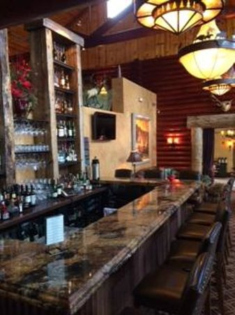Rustic Inn Creekside Resort and Spa at Jackson Hole : Evening Bar