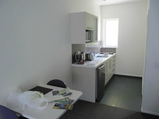 Aspen Court Franz Josef: Fully equipped kitchenette