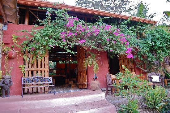 La Hacienda Lodge : Central Hall. Living and dinner room