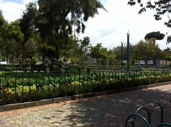 Hosteria Rincon de Puembo: Puembo town square park