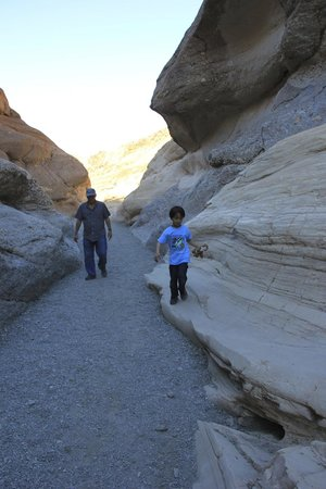 Mosaic Canyon: .