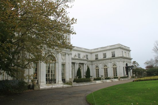Rosecliff: Front of the house