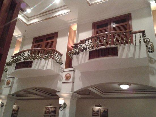 Merdeka Palace Hotel & Suites: cafe