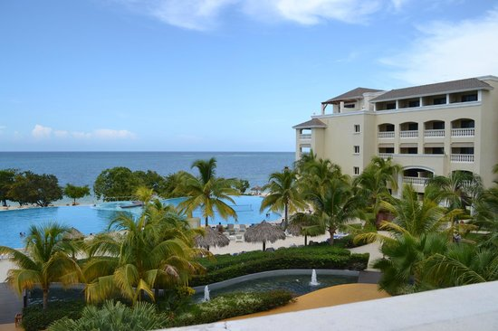 Iberostar Rose Hall Beach Hotel: View from another patio on second floor