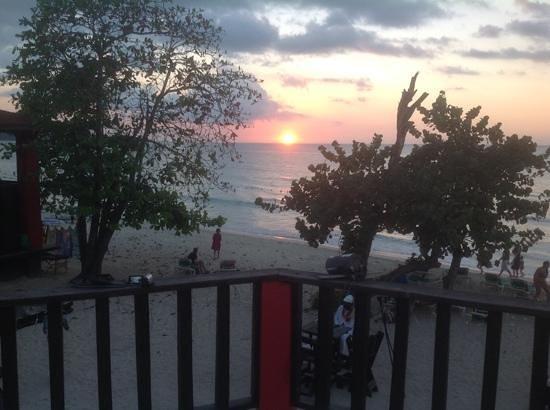 Bourbon Beach Hotel: prachtige zonsondergang vanaf het balkon!