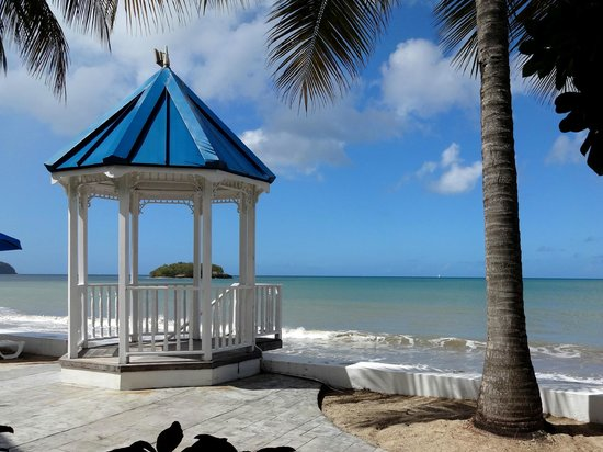 Villa Beach Cottages: Just in front of the honeymoon villa.