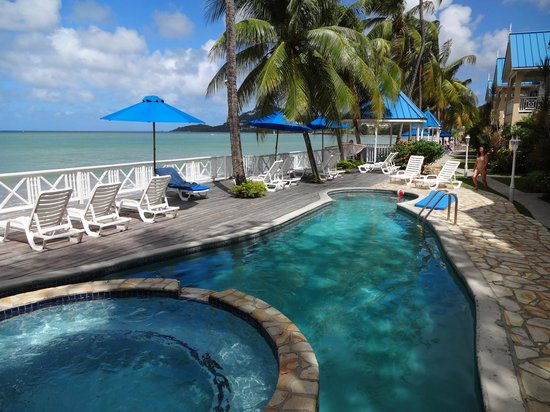 Villa Beach Cottages : Very nice pool.