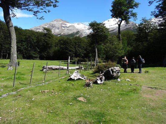 Aguas Arriba Lodge: Comenzando la caminata para llegar a Glaciar Huemul