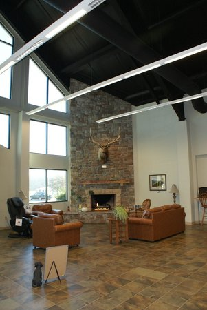 Tom Johnson Marion Campground: The Fireplace area