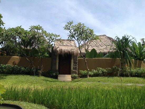 WakaGangga: Rice fields villa entrance