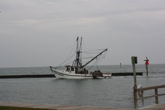 Lighthouse Inn at Aransas Bay : View from patio
