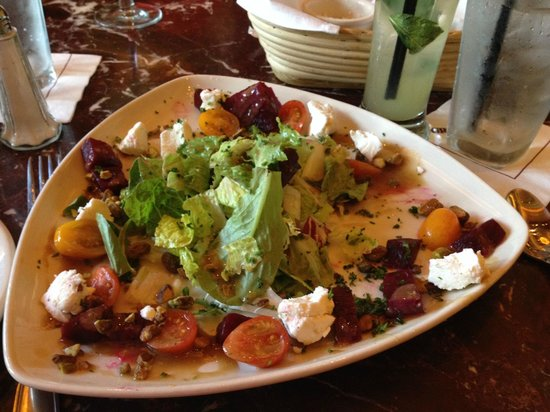Grand Lux Cafe: Roasted beet & goat cheese salad