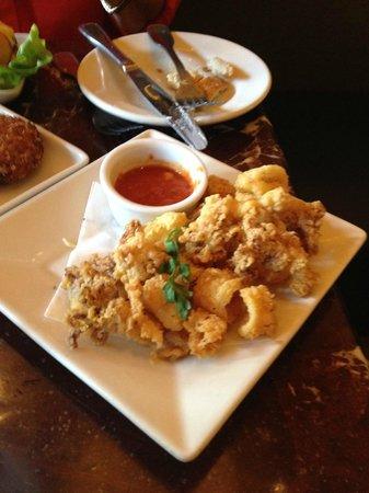 Grand Lux Cafe: Tapas calamari