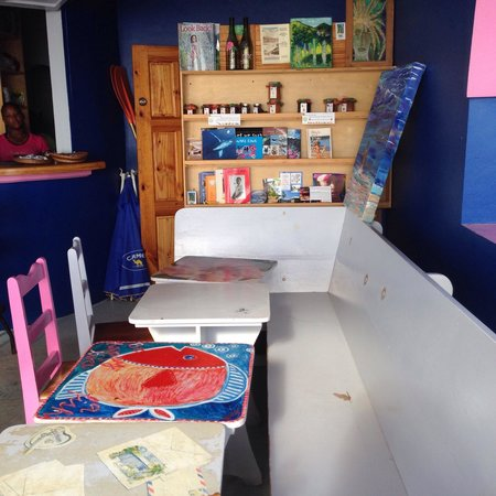 Romance Cafe : jolies tables et cadre agreable!!!