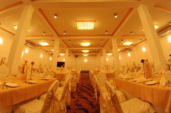 Function hall picture of sanoreech hotel negombo tripadvisor sanoreech hotel function hall junglespirit Gallery
