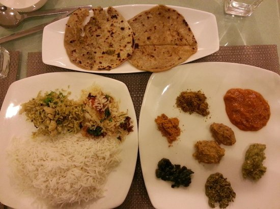 Paratha and Biryani festival at Tulips, GreenPark Hyderabad; 8 of the 10 different Chutneys