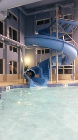 Stoney Nakoda Resort & Casino : waterslide