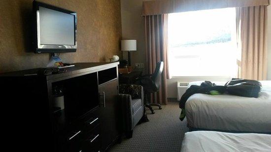 Stoney Nakoda Resort & Casino: Room1