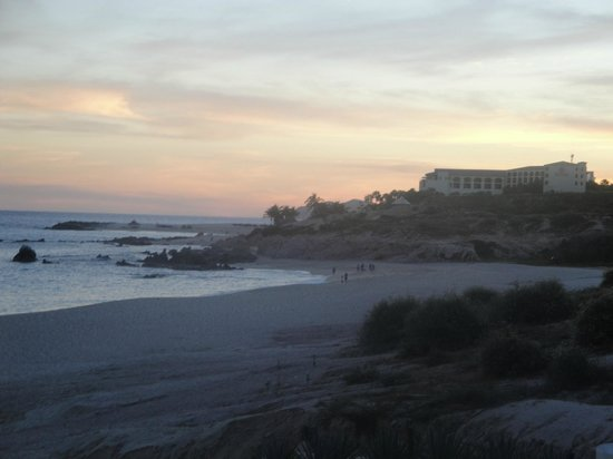 Marquis Los Cabos All-Inclusive Resort & Spa: View to south of beach