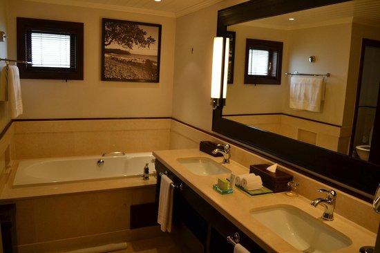 LUX* Le Morne : Belle salle de bain