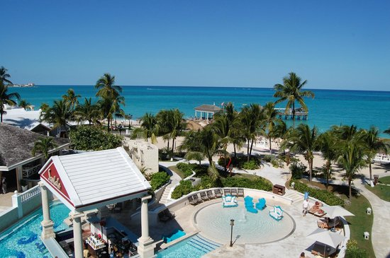 Sandals Royal Bahamian Spa Resort & Offshore Island : Oceanview Balmoral Tower