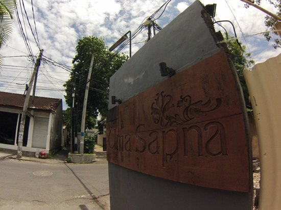 Uma Sapna: Sign to the Villa