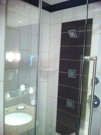 Tulalip Resort Casino: Great shower!