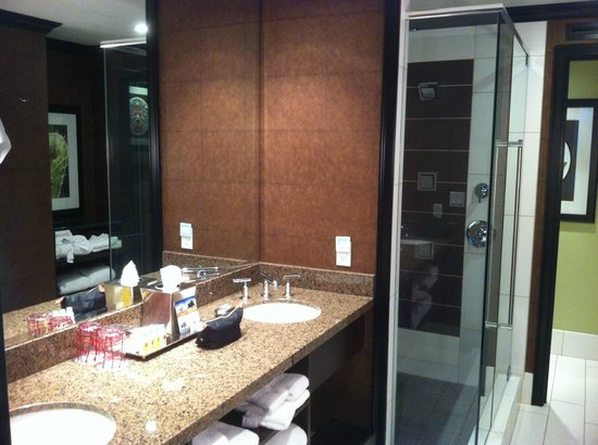 Tulalip Resort Casino: Spacious bathroom