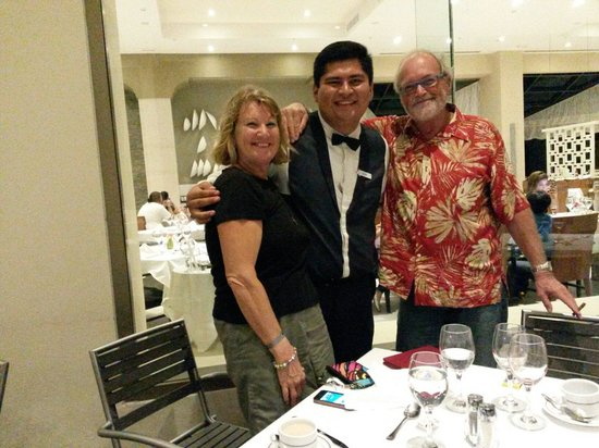 Iberostar Cancun: Carlos the best weither