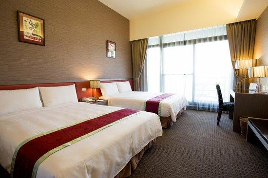 Naruwan Garden Hotel: 四人房