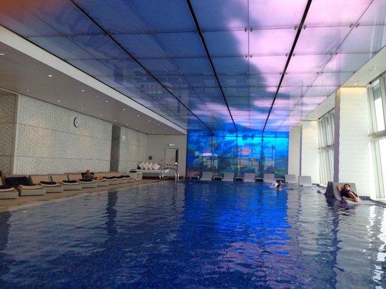 The Ritz-Carlton, Hong Kong : world highest pool at 118/F