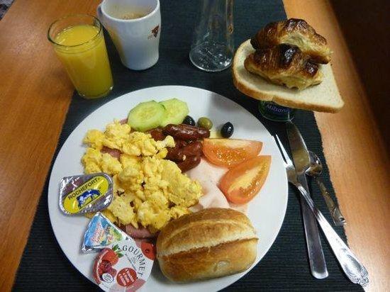 Sunrise Apart Hotel : 朝食は野菜が殆ど無い