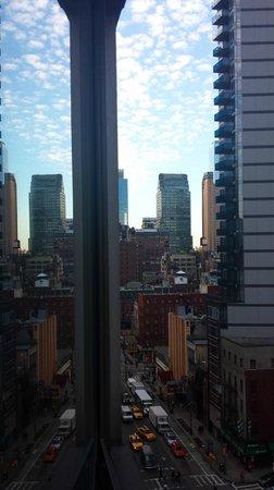 Hilton Garden Inn Times Square : 9th Floor room view