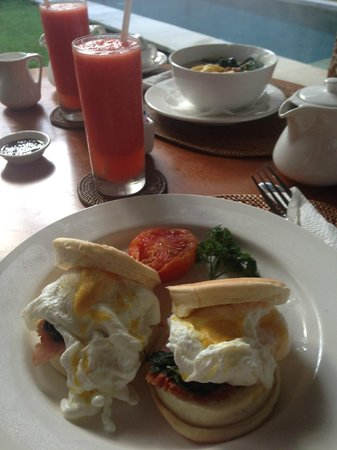 Uma Sapna: American style breakfast with fresh juice  (In Room Breakfast)