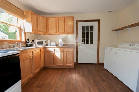 Willowbrook Cabins: Great full Kitchen with Washer and Dryer