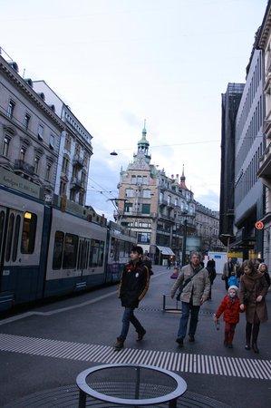 Bahnhofstrasse: Bahnofstrasse