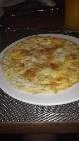 InterContinental Amman: Breakfast to die for - fresh tomato and mushroom omlette