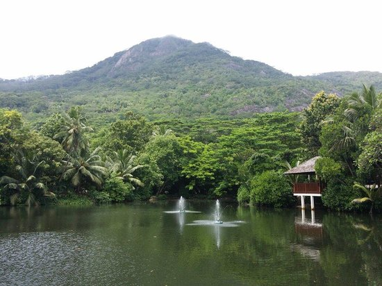 Hilton Seychelles Labriz Resort & Spa : Lago