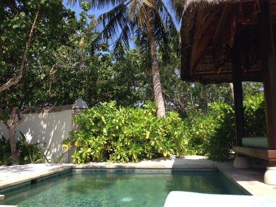 فور سيزونز ريزورت المالديف في كودا هورا: View of the plunge pool at our beach front villa
