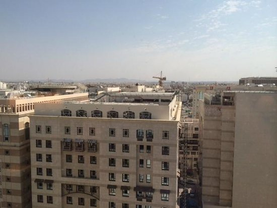 Leader Al Muna Kareem Hotel: Outside view from my room