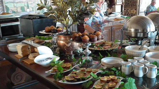 Misty Waves Boutique Hotel Hermanus: Buffet Breakfasts for our guests