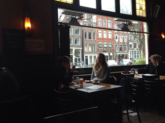 Cafe Thijssen: Typical Amsterdam outside view