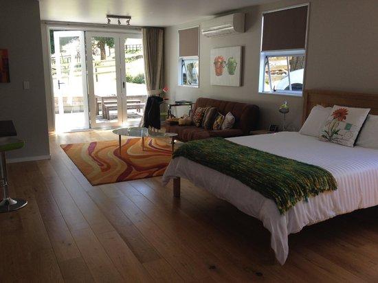 لوبتون لودج: amazing green room at the lupton lodge
