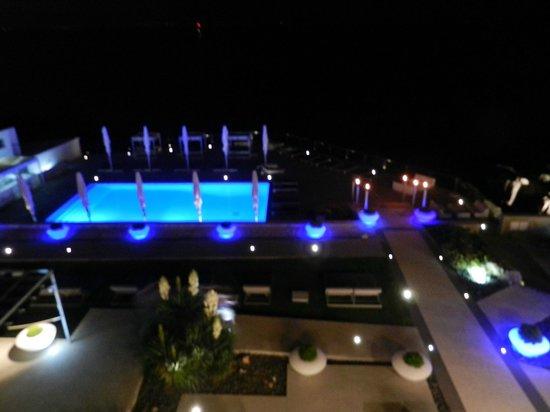 Farol Hotel: Night view