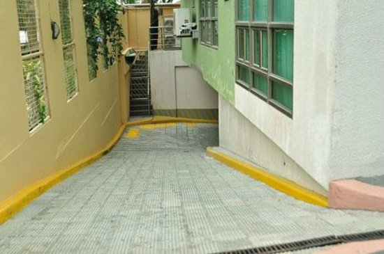 One Tagaytay Place Hotel Suites The Steep And Narrow Way To Basement Parking