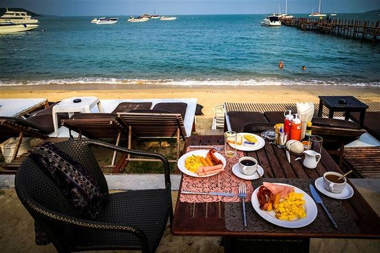 Punnpreeda Beach Resort: Breakfast